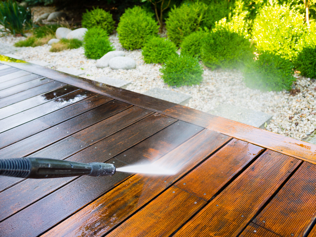 3 reasons to schedule power washing services